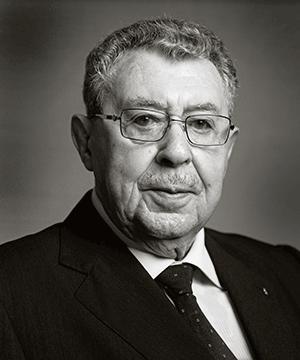 Dr-Juan-Gil-mini
