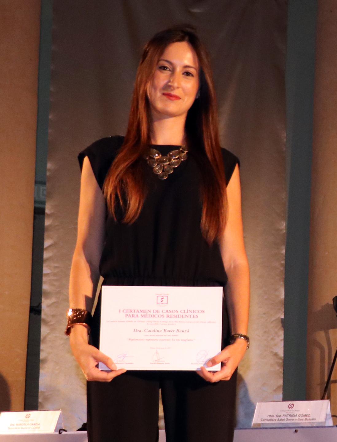La doctora Catalina Bover recoge su premio