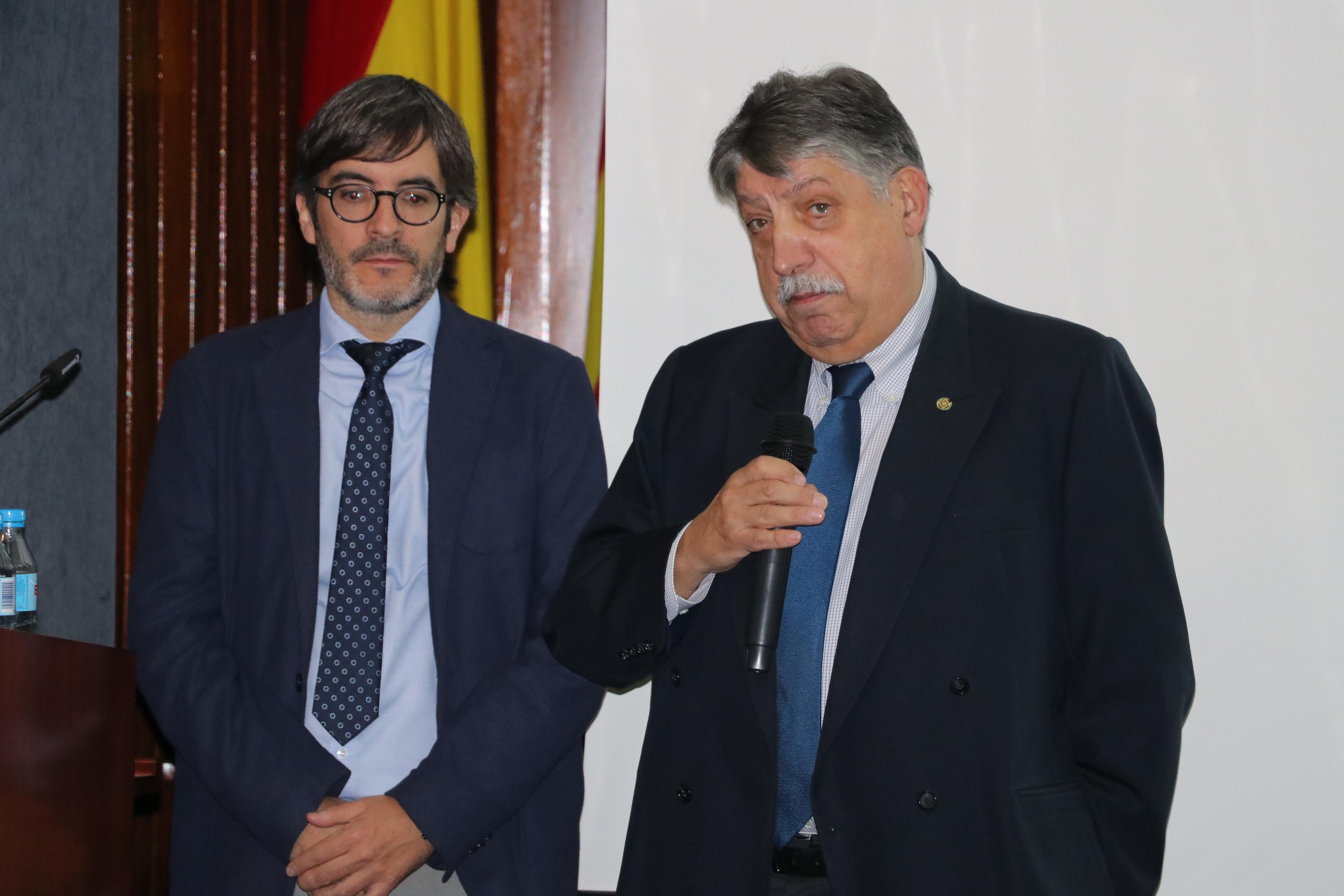 Dr. Miguel Triola Fort, vicepresidente de PSN a la derecha junto a Salvador Serrano Fernández, responsable del Área de Protección de Datos de PSN Sercon