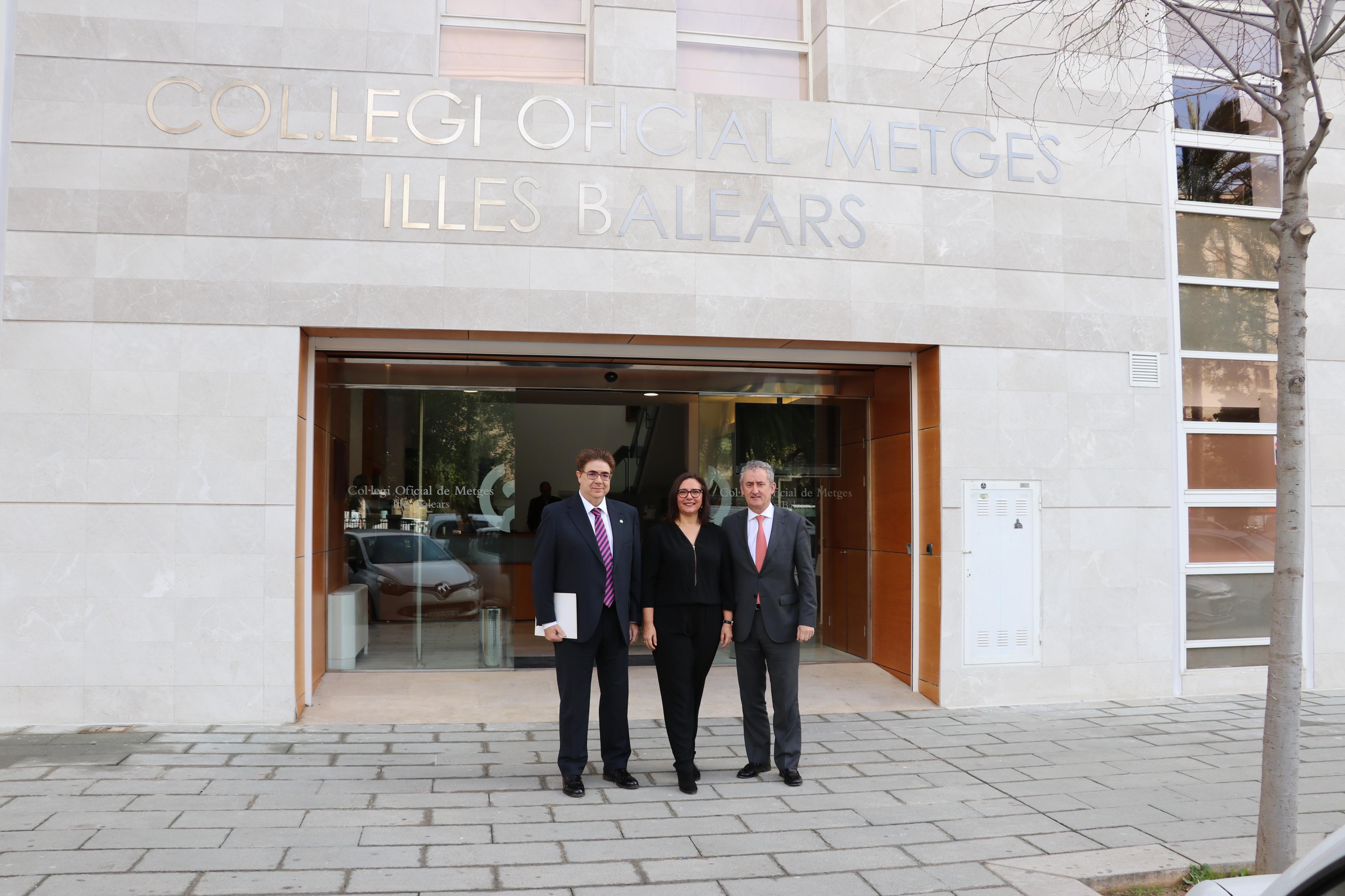 Dr. Bennasar, Dra. Manuela García y el Dr. Tomás Cobo