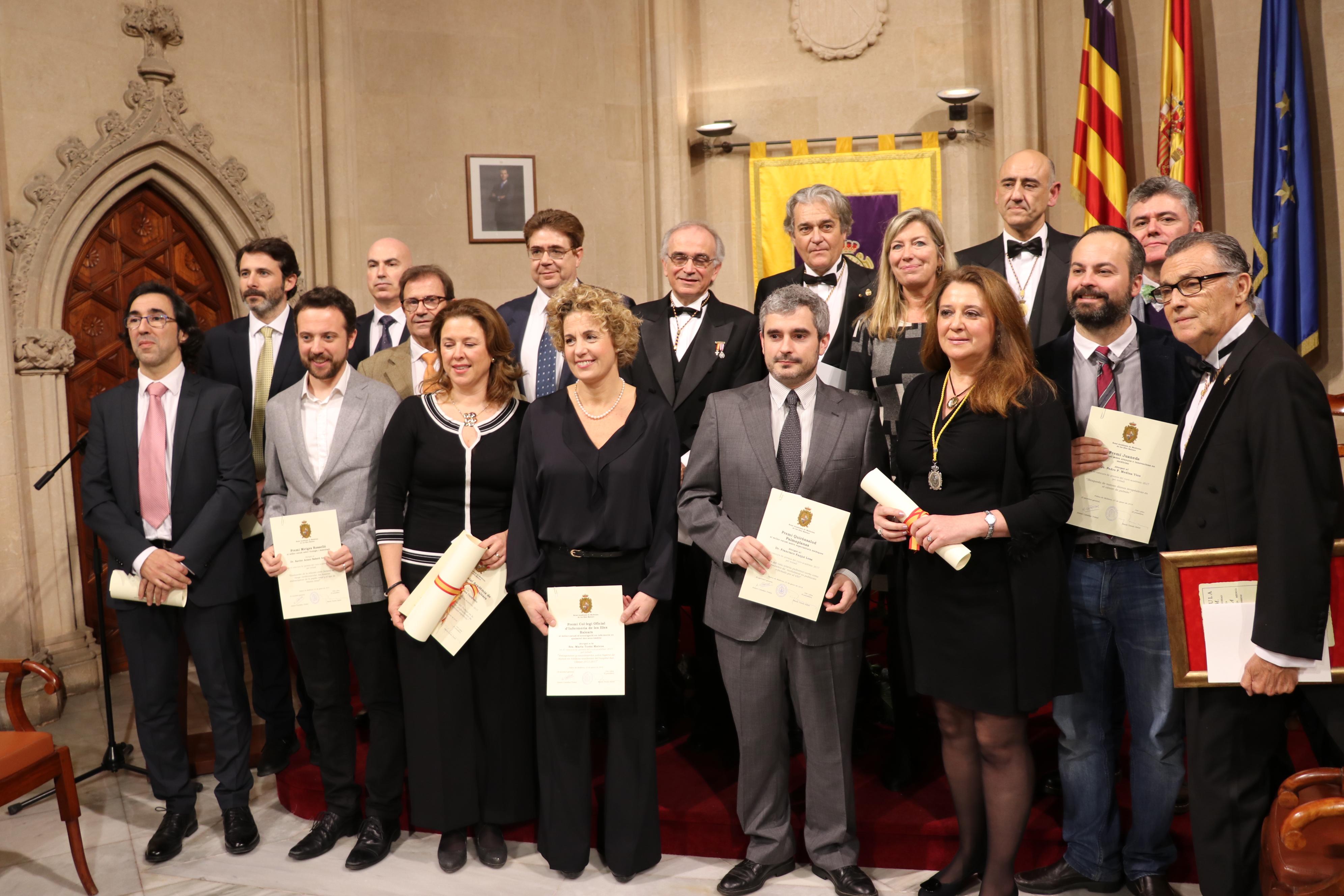 Todos los premiados