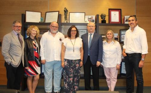 La nueva Junta Directiva del Colegio de Médicos de Baleares participa en el Plan de Acogida del CGCOM