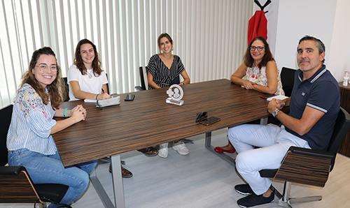 Los estudiantes de Medicina de la UIB se reúnen con la Junta del Col·legi de Metges